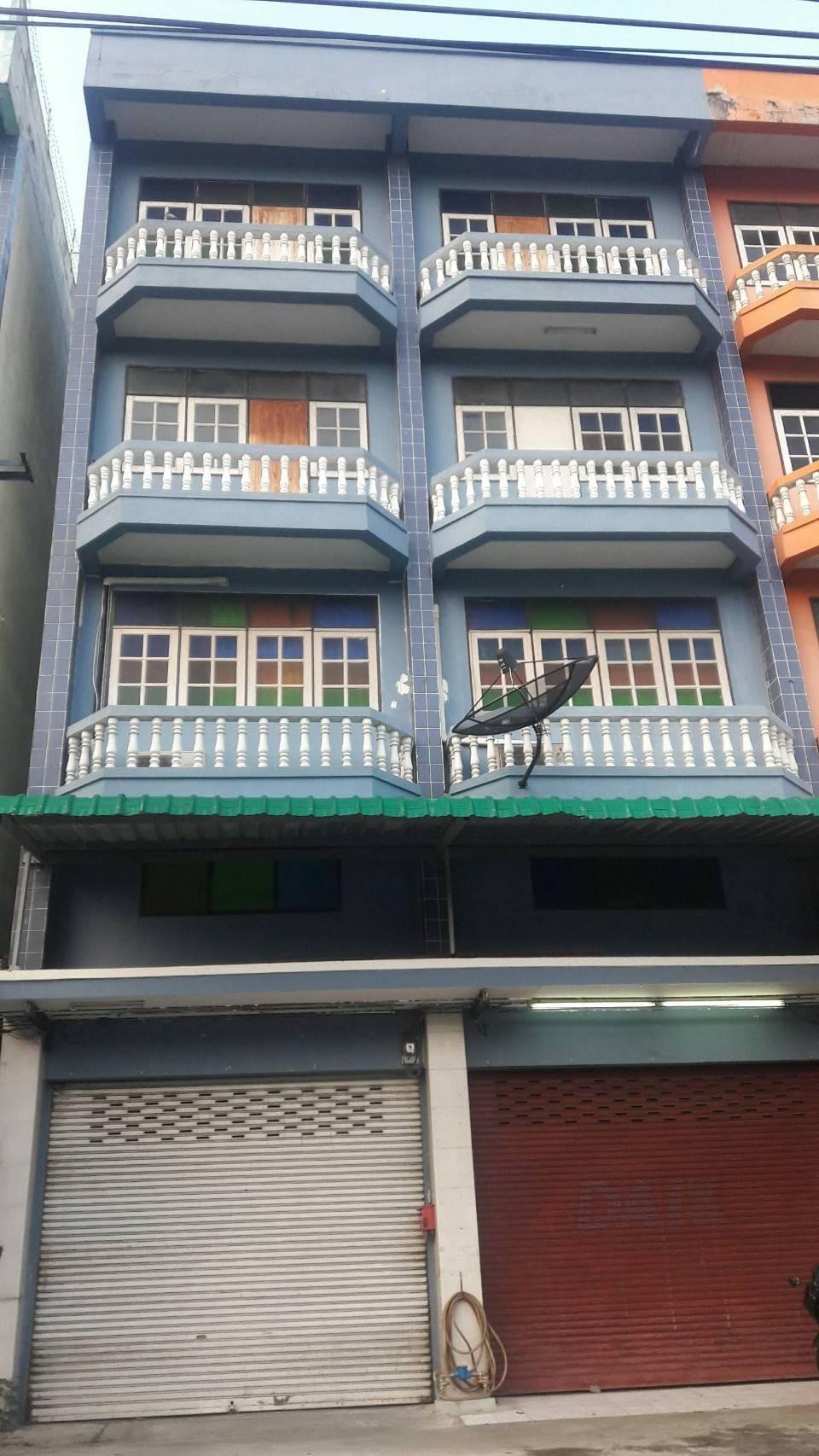 ขายอาคารพาณิชย์ 4.5 ชั้น 2 คูหา ติดถนนบรมราชชนนี