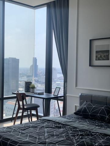 Sell / Rent Ashton Silom condo near Chongnonsi 350m. Room 288, 30th floor, size 36 sq m.